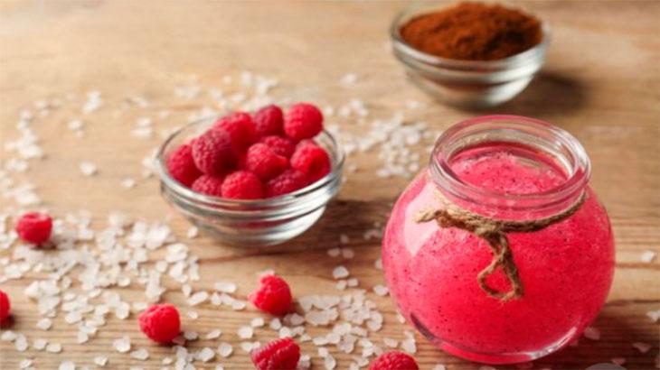 ягодный-питательный-домашний-скраб